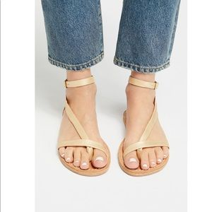 New FREE PEOPLE Ravine Distressed Gold Sandals